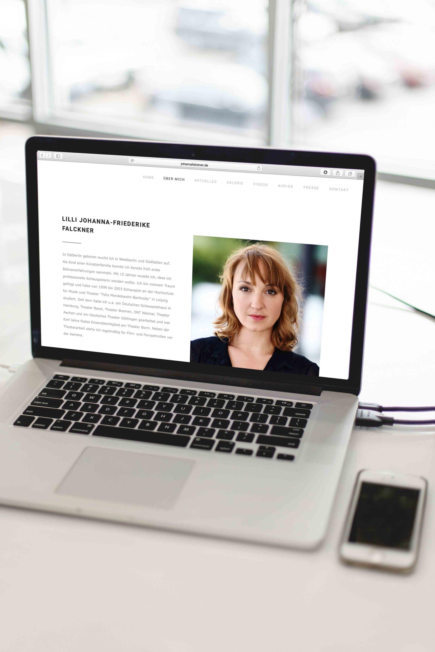 Johanna Falckner Ueber mich-Laptop